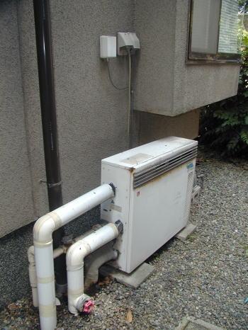 既設:ノーリツ製据置型ふろ給湯器本体(交換前)