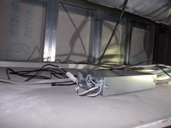 ユニットバスの天井裏に電源ユニットを設