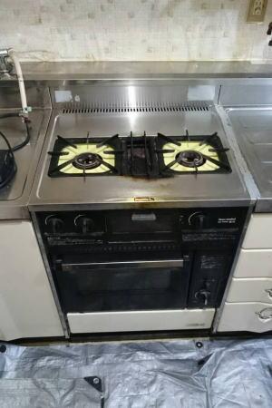 既設:オーブンとコンロが一体型の商品