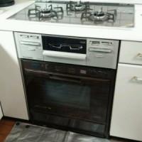 ビルトインコンロ(マイトーンシリーズ)をオーブン接続キットを使って組み込み