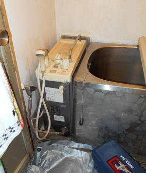 既設(取替前):ノーリツ製GBSQ-805 シャワー付きBF式風呂釜