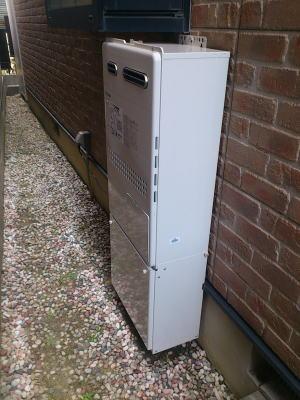 取替完了 ノーリツ製の暖房ふろ給湯器FT4215ARS-SW6Q(熱動弁6個内臓)