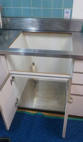 既設のコンロを撤去後、当社にてお掃除します。