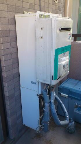 貸出用給湯器を仮設中(無料サービス)