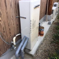 交換完了 壁掛型RUF-A2005SAW(A)+専用据置台で取り替え