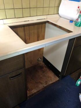 既設の一体型オーブンを撤去後、当社にてお掃除します