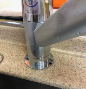 カウンター穴を小さくするアダプター部分