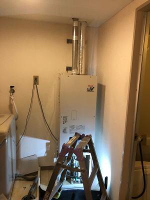 給湯と暖房(おいだき)が同時に使用できる給湯能力13号のRUFH-B1310AFF2-3で交換